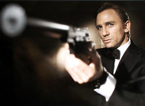 sospeso film di james bond