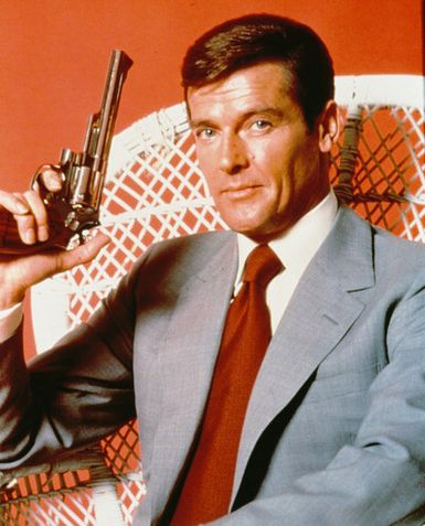 Roger-Moore---James-Bond--C10102109-thumb-385x477