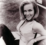 Honor Blackman Pussy Galore (6)