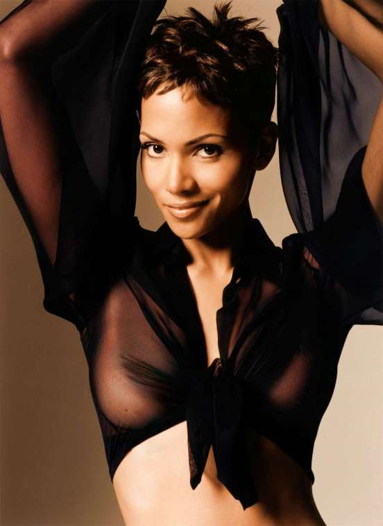 http://jakemcmillan.files.wordpress.com/2012/10/halle-berry-hot-76.jpg?w=552
