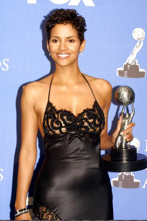 Halle Berry Hot Sexy See Through Dress Cleavage | 21st Century Boy